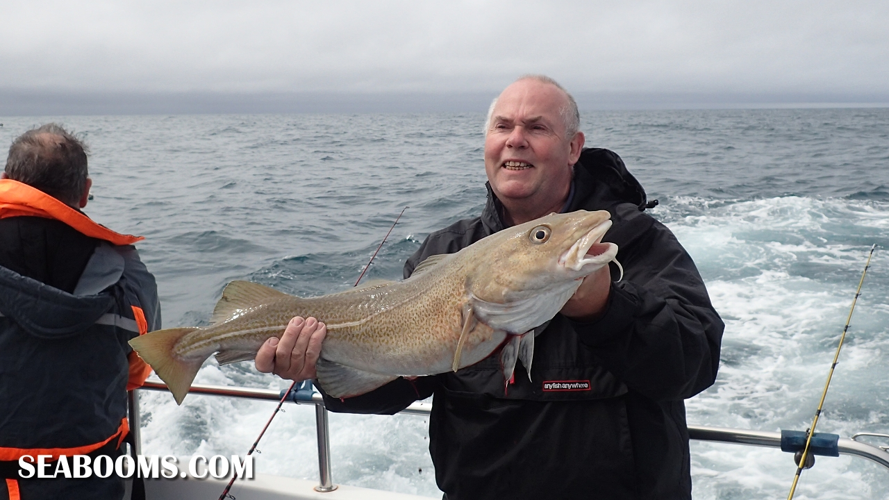 Boat fishing for cod sea fishing tackle and lure fishing for Ocean fishing gear